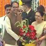 रामपाल समेत कई मुद्दों पर राज्यपाल- CM में लंबी चर्चा, ..